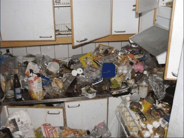 pièce Diogène insalubre, encombrement déchets
